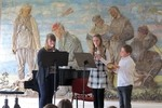 Trio de Bavards: Antonie Kůrová, Gabriela Štěpančíková - zobcové flétny, Filip Horák - bubínek